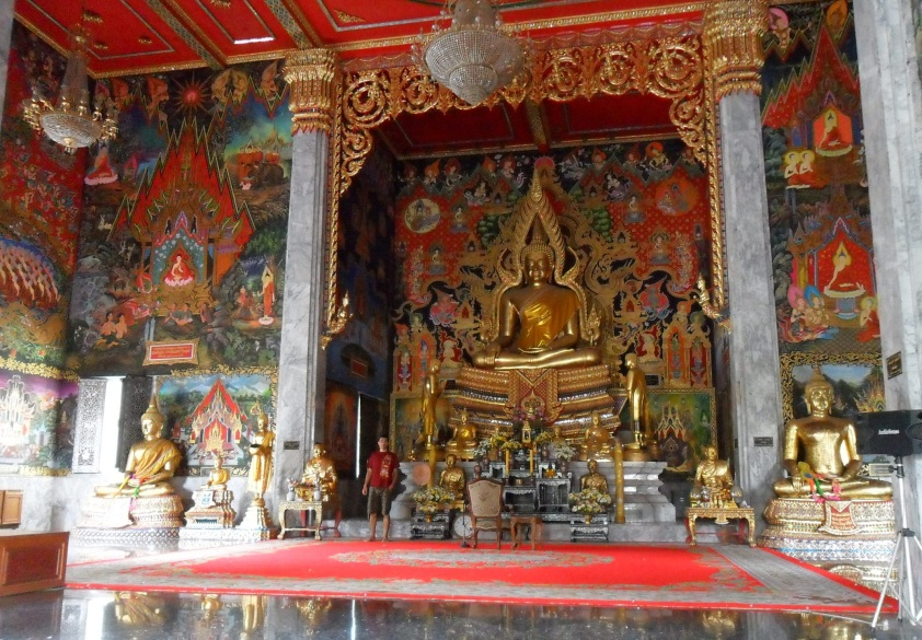 Inside_a_Buddhist_Temple,_Thailand